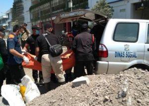 Mayat Mengapung Di Kali Jagir Wonokromo Hebohkan Warga