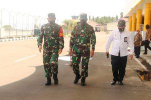 Pangdam XVI/Pattimura Di Dampingi Ketua Persit KCK PD XVI/Pattimura Lakukan Kunjungan Di Maluku Utara