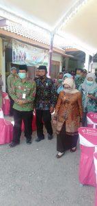 Bupati Jombang Hj. Mundjidah Wahab Serahkan Sertifikat Program PTSL