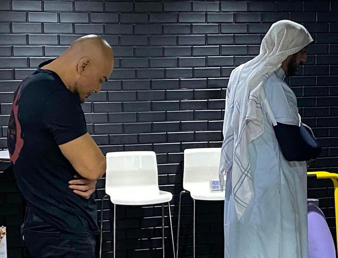 Deddy Corbuzier Menitihkan Air Mata Kenang Syekh Ali Jaber