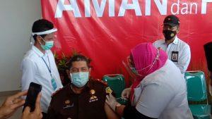 Vaksinasi di Malut