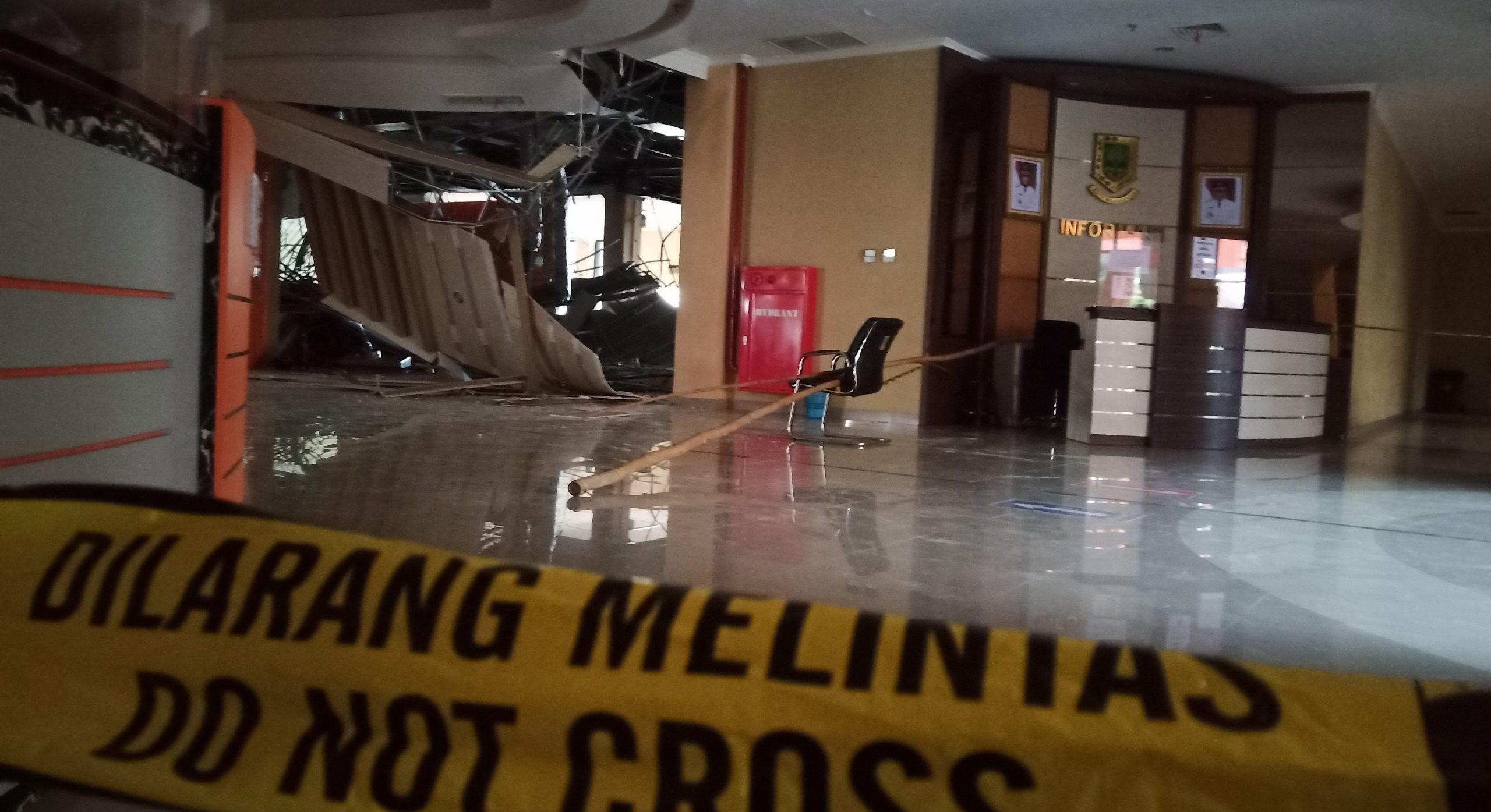 Atap Gedung GMSC Mojokerto Ambruk Mulai Di Police Line
