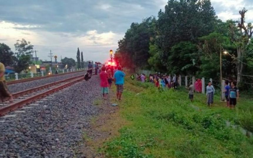 Hendak Mengais Rejeki, Pedagang Kerupuk di Jombang Tewas Tertabrak Kereta