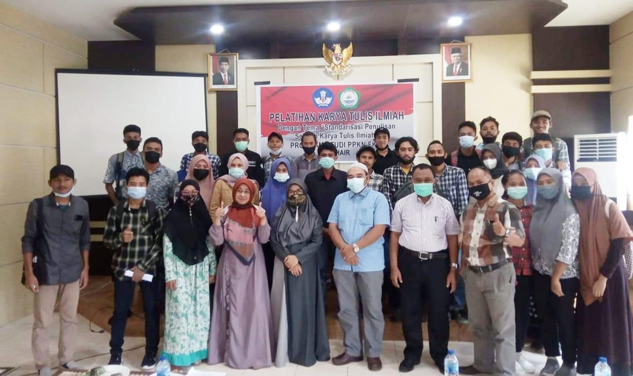 Prodi PKN Gelar Pelatihan Karya Tulis Ilmiah