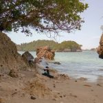 Pantai Kondang Merak Pantai Terindah Di Malang Cocok Untuk Bersantai Bersama Sang Kekasih