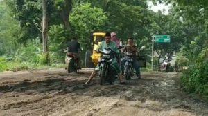 Jalur Wisata Pemandian Banyubiru Pasuruan Seperti Track Motocross
