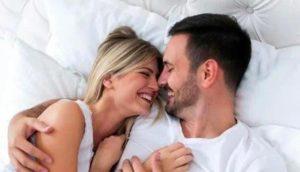 Posisi Morning Seks Untuk Pasangan Yang Sibuk Kerja