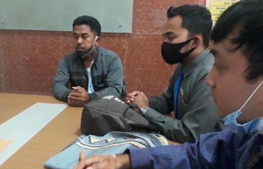 Pak Kades Laporkan Bu Kades Tertangkap Wik Wik Dengan Stafnya Ke Polisi