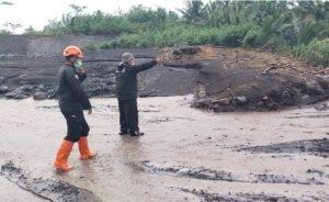 Lahar Dingin Semeru Meluap ke Lahan Pertanian Akibat Hujan Deras