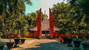 Wisata Sejarah Pendopo Agung Tempat Persaksian Sumpah Palapa Dan Petilasan Pendiri Majapahit