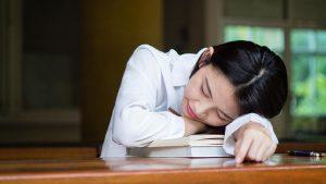 Ini Alasan Kenapa Orang Yang Berpuasa Sering Mengantuk
