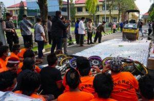 Ratusan Miras dan Knalpot Brong Dimusnahkan Polres Mojokerto