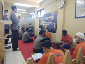 Tahanan Polda Jatim Selama Ramadhan lakukan Ngaji Bareng