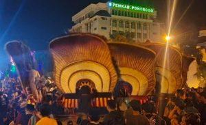 Acara reog Ponorogo sahur on the road mendapat kecaman dari bupati Ponorogo