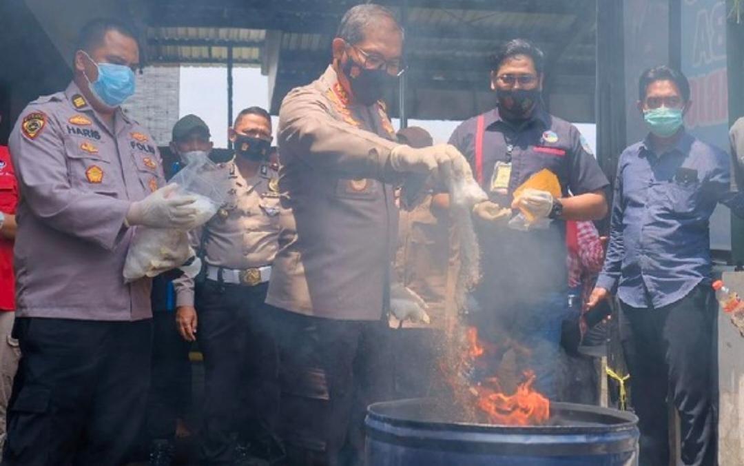 Mapolres Sidoarjo Musnahkan Narkoba Hasil Ungkap Kasus