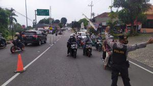 Atasi Penumpukan Kendaraan, Polres Mojokerto Terapkan Sistem Buka Tutup Jalur Wisata