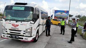 Nasib Pemudik Yang Melintas Pos Penyekatan Exit Tol Ngawi Akan Dikarantina