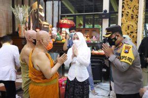 Perayaan Waisak, Polres Mojokerto Pantau Prokes di Maha Vihara Mojopahit