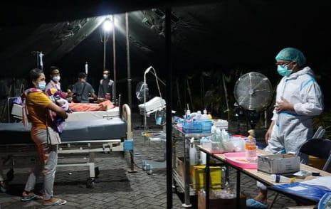 Antisipasi Antrean Pasien, RSUD dr Wahidin Sudiro HusodoKota Mojokerto Dirikan Tenda Darurat
