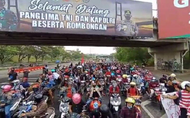 Demonstrasi Akbar Madura Melawan Sempat Bikin Macet