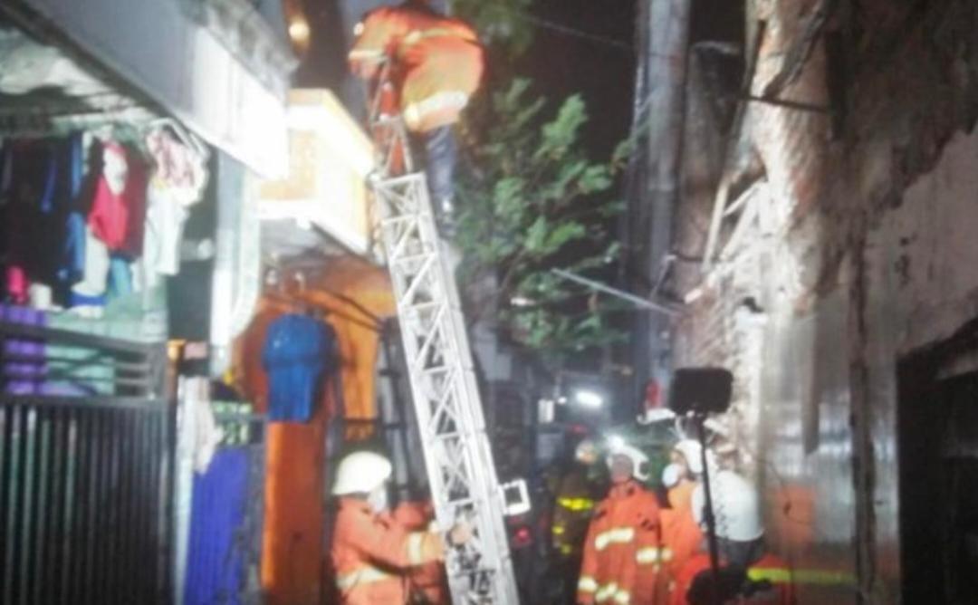 Kebakaran Dikapas Madya Surabaya, Makan Korban Dengan Luka Bakar