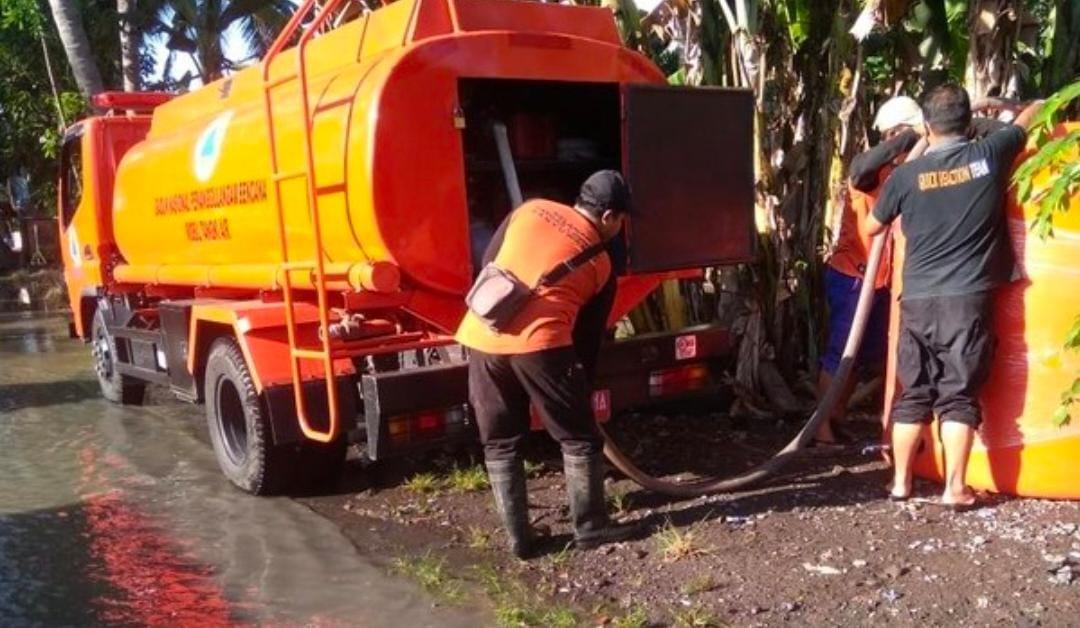 Banyuwangi Terendam Banjir, BPBD Kirim Air Bersih