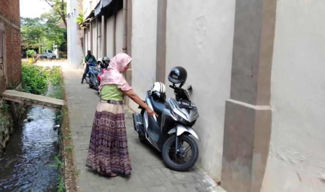 Calon TKW Loncat Dari Gedung Centra Karya Semesta Malang, Bikin Heboh Warga