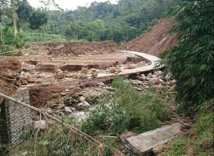Tanah Longsor Rusak Ratusan Hektare Sawah Di Tulungagung