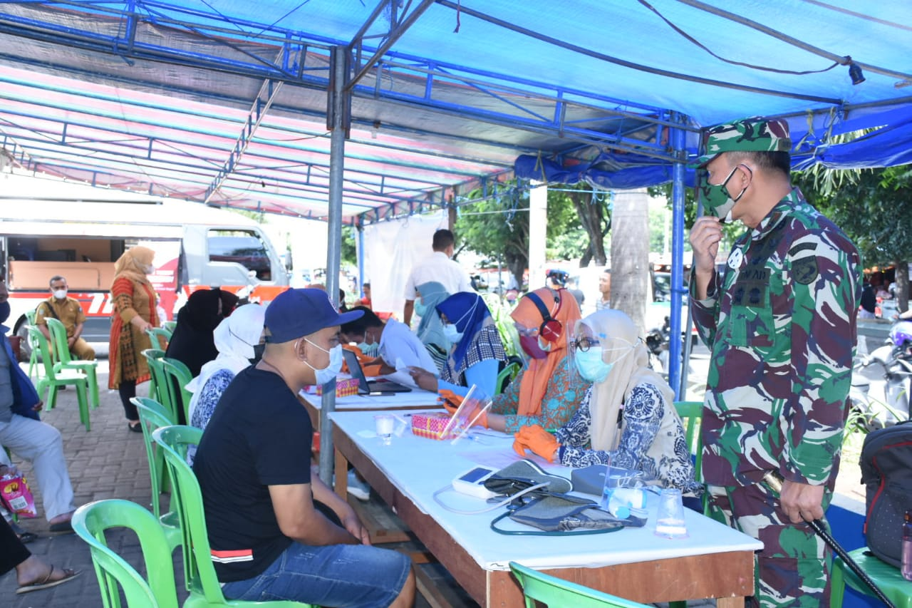 Serbuan Vaksin, Danrem 152/Baabullah Cek Pelaksanaan Vaksinasi di Wilayah Maluku Utara