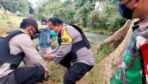 Viral, Pak Polisi Temukan Bondet Saat Cari Tanaman Hias