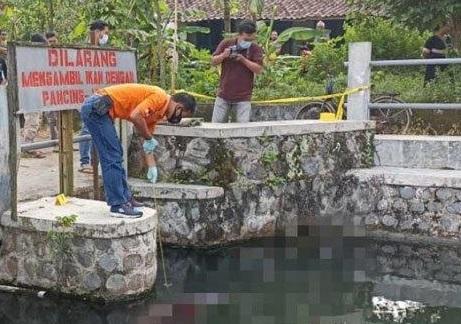 Penemuan Mayat Wanita Mengapung Di Sungai Mipitan Kediri Hebohkan Warga