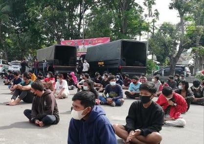 Terlibat Seruan Aksi Tolak PPKM di Pasuruan, 23 Remaja Positif Saat Swab Antigen