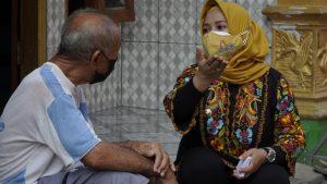 Ning Ita Pastikan Pemkot Hadir Bantu Warga Terdampak Pandemi Covid-19