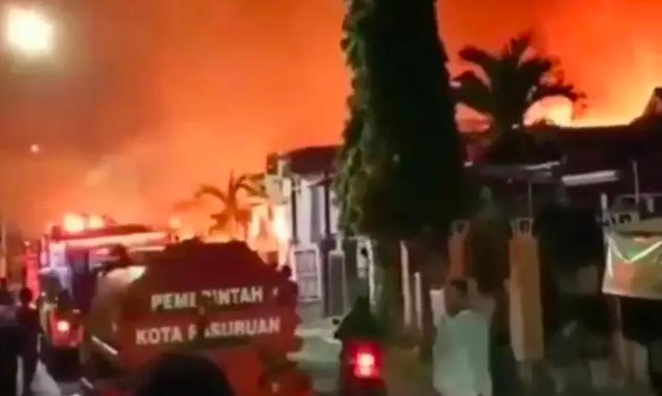 Kebakaran Gudang Mebel, Satu Rumah dan Satu Mobil Jadi Abu