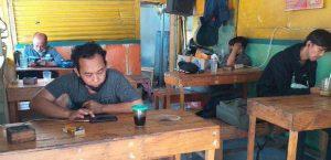 Pemilik WarkopDi Surabaya Keluhkan Kebijakan Pemerintah Selama PPKM