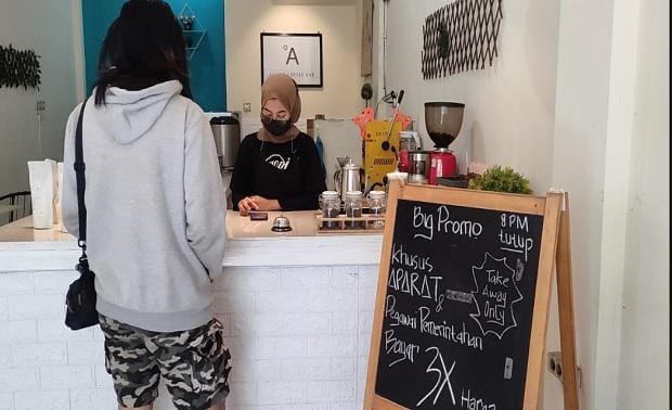 Selama PPKM Darurat, Kafe di Malang Naikkan Harga Tiga Kali Lipat Untuk Pejabat Dan Aparat