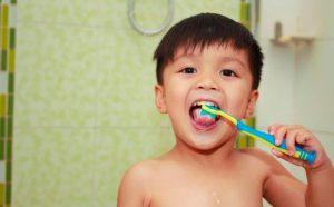 Tips Melatih Anak Menggosok Gigi, Agar Anak Tetap Sehat Dan Ceria