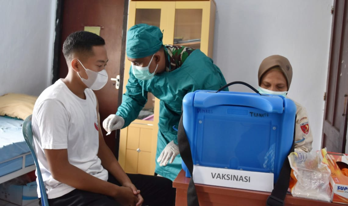Paskibra Kota Ternate Ikuti Serbuan Vaksinasi Nasional Di Korem 152/Baabullah