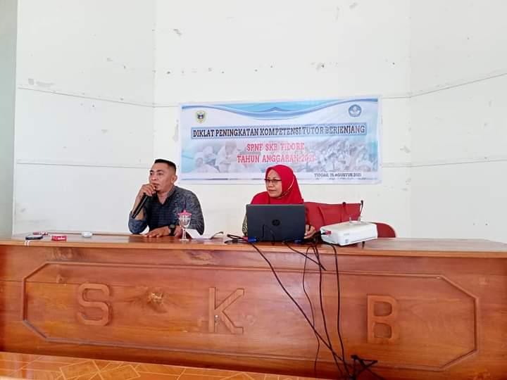Tingkatkan Kompetensi Tutor Berjenjang SPNF SKB Tidore Gelar Diklat