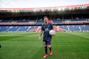 Resmi Diboyong Ke PSG, Lionel Messi Mengenakan Nomor Punggung 30