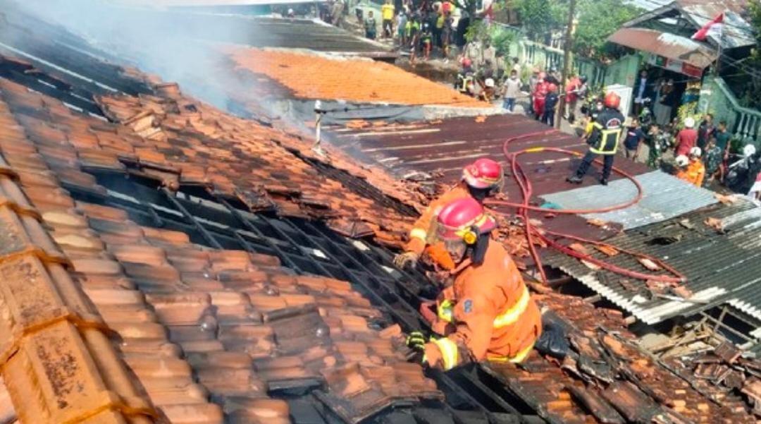 Asrama Komplek Kodam V Brawijaya Kebakaran