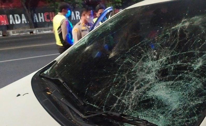 Berkendara Ugal-Ugalan, Pengemudi di Surabaya Babak Belur Dihajar Warga
