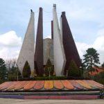 DLH Kota Mojokerto Sebut Teks Proklamasi di Tugu Kaca Pengilon Alun-Alun Mojokerto Bukan Prasasti Sejarah