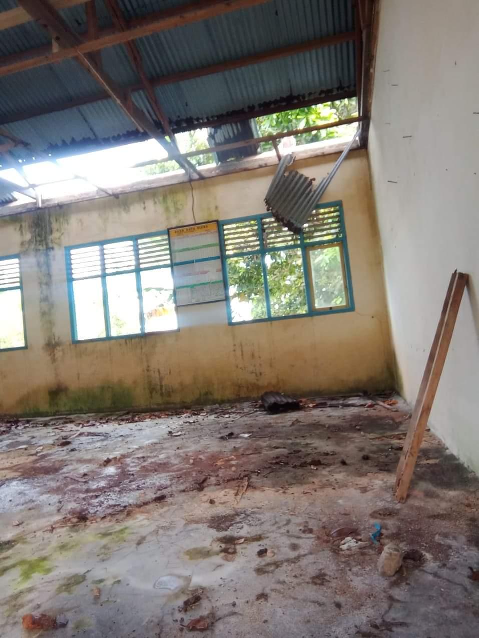 Tiga Lokasi Ruang Belajar SD Negeri 87 Halsel, Membuat Kepsek Kecewa Terhadap Mantan Kadikbud