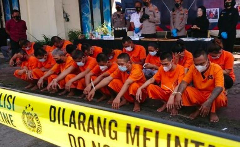 Dukun Ritual Pakai Narkoba Bersama Muridnya, Akhirnya Ramai Ramai Di Penjara