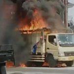 Truk Mengangkut Styrofoam Di Sidoarjo Terbakar Bikin Macet