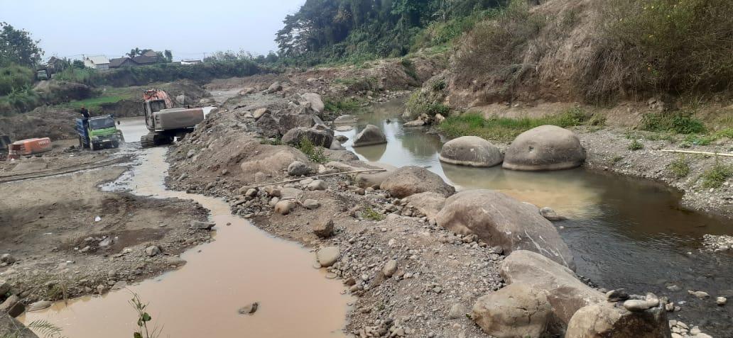 Galian C Cikal rusak sungai
