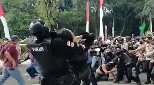 Aksi Smack Down Polisi, BEM PTMI