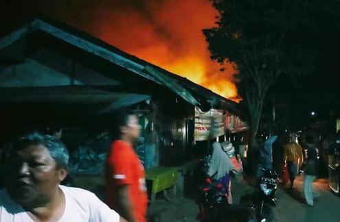 Kios di Pasar Kalibaru, Banyuwangi, kebakaran
